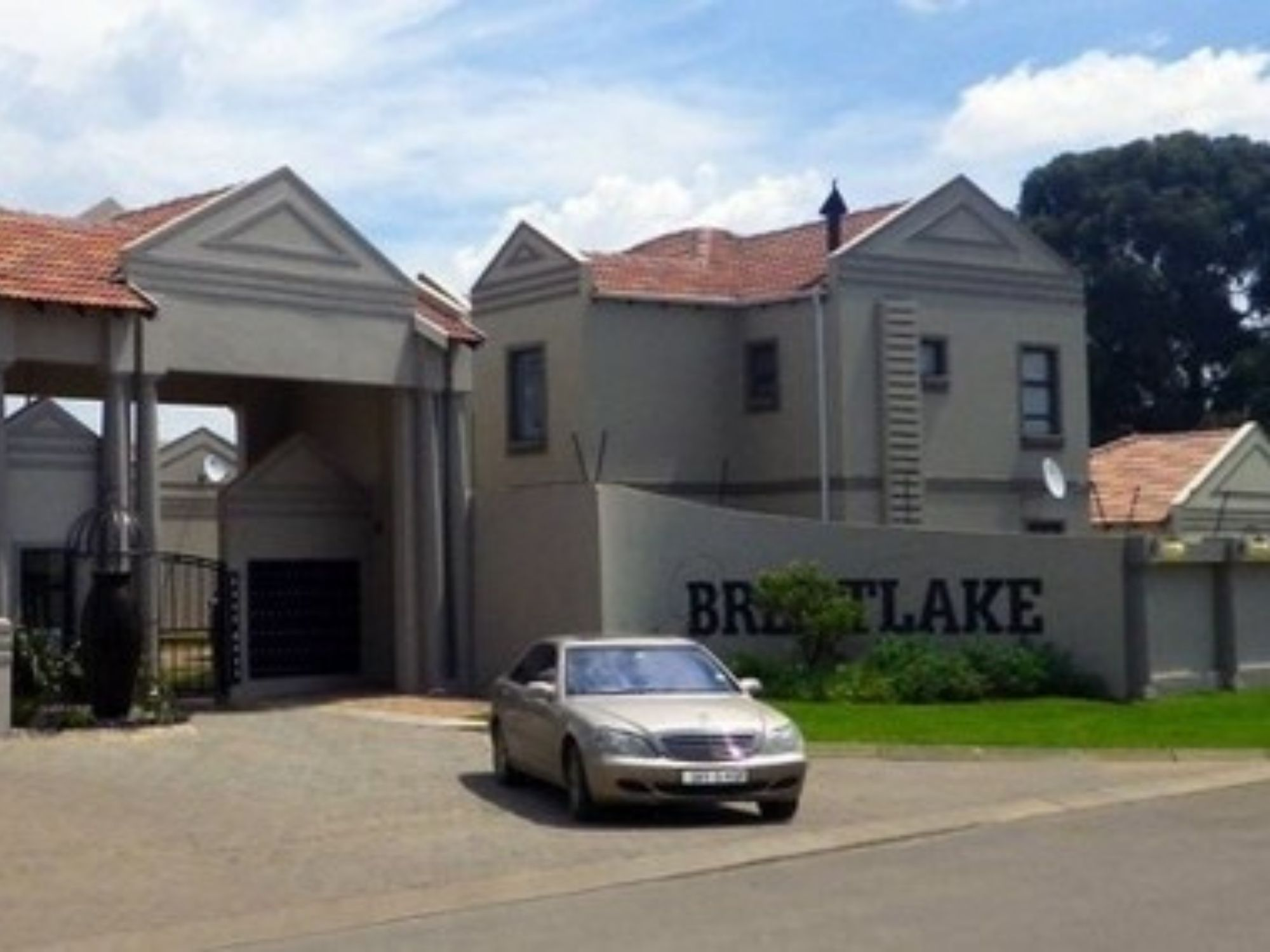 Brentlake